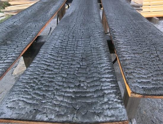 Shou sugi ban-hout, net gebrand