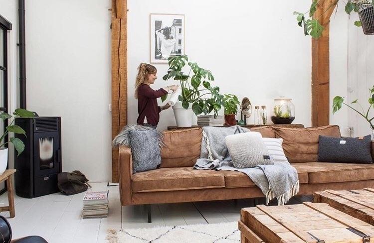 Jellina in haar prachtige huis