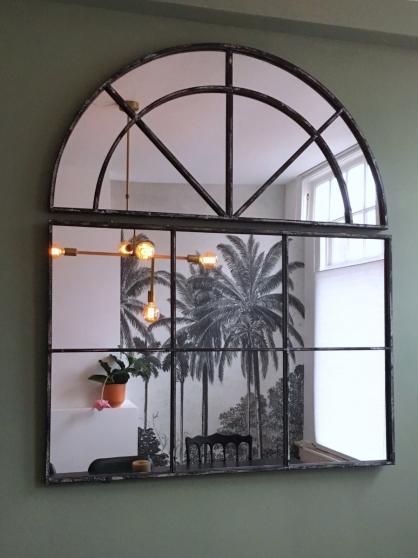 De vintage spiegel.